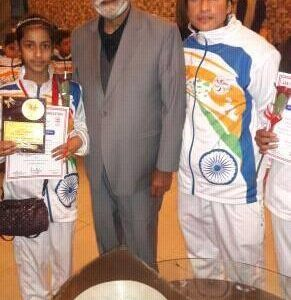 Syed Baseerat and her accompanying coach from #HattrickPublicSchool, Sayma Rashid with President Olympic, Sardar Rangeel Singh
